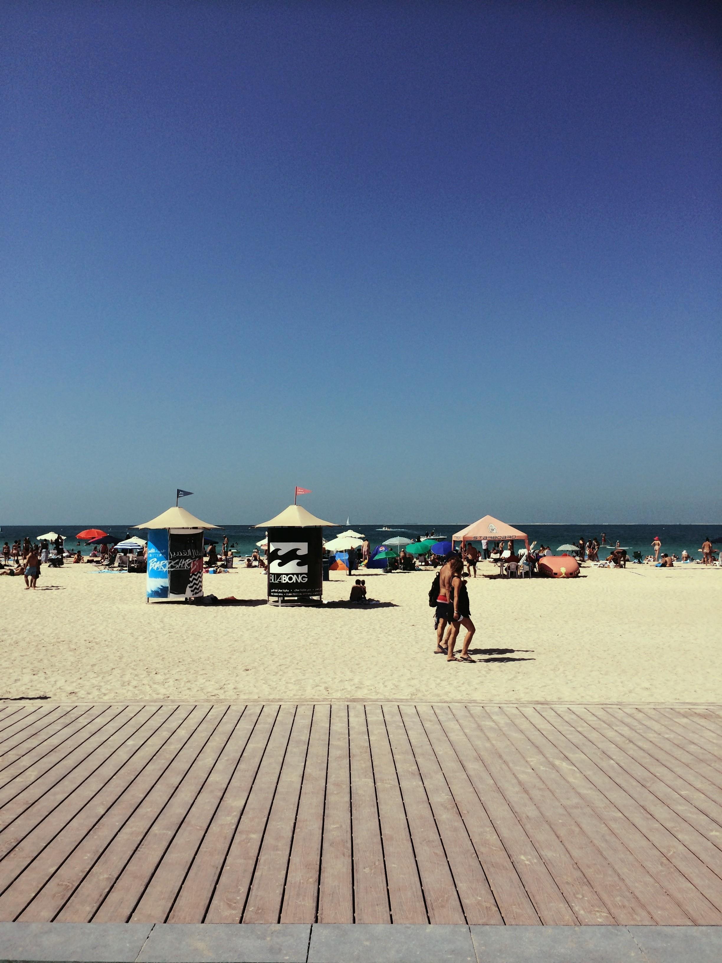 Kohta taas aurinkoa. Sillä aikaa voi ihailla vain kuvia. Tämä Dubaista Kite Beachiltä.