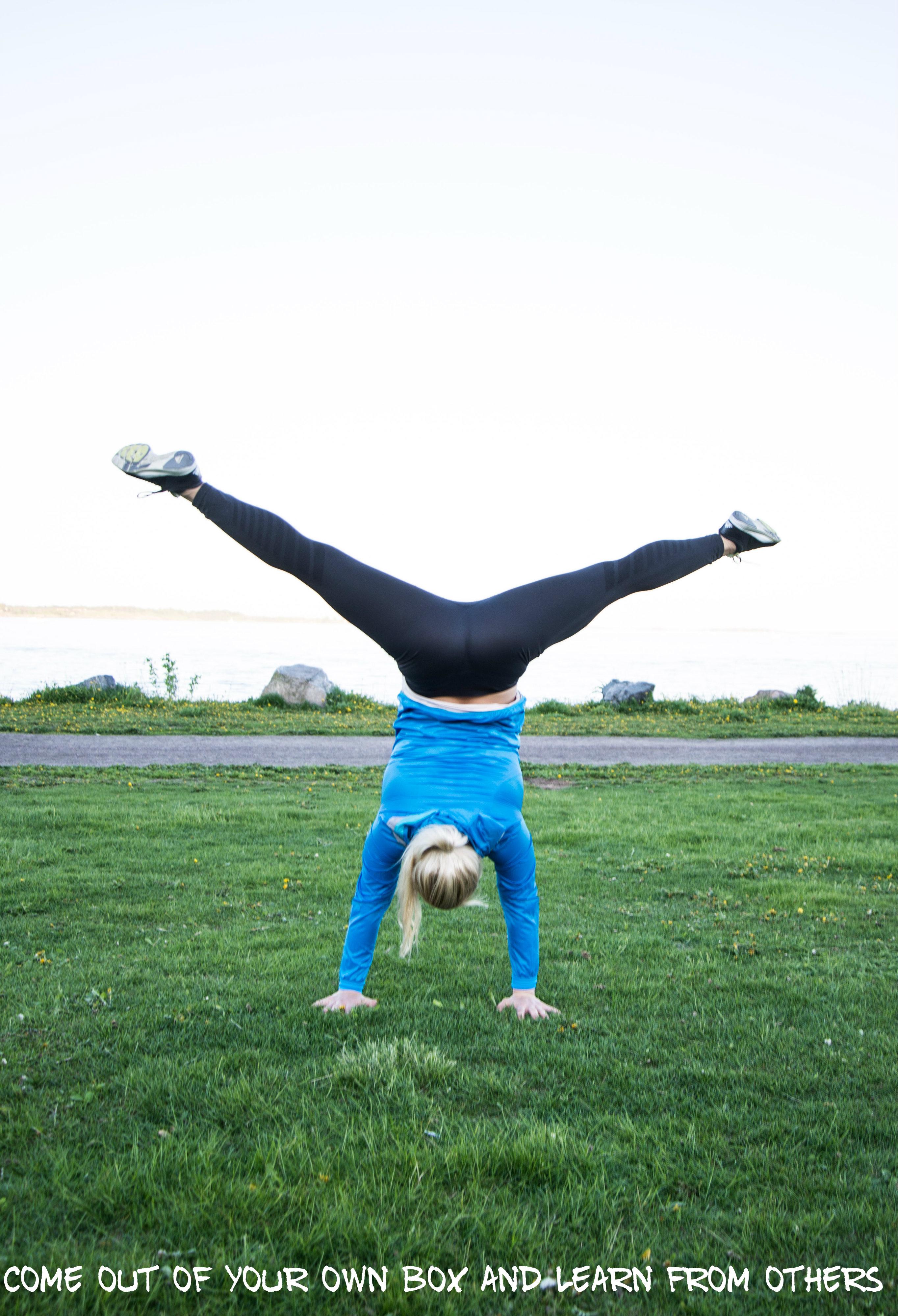 handstand-eevsku-2