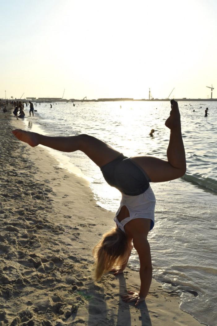 handstand_eevsku